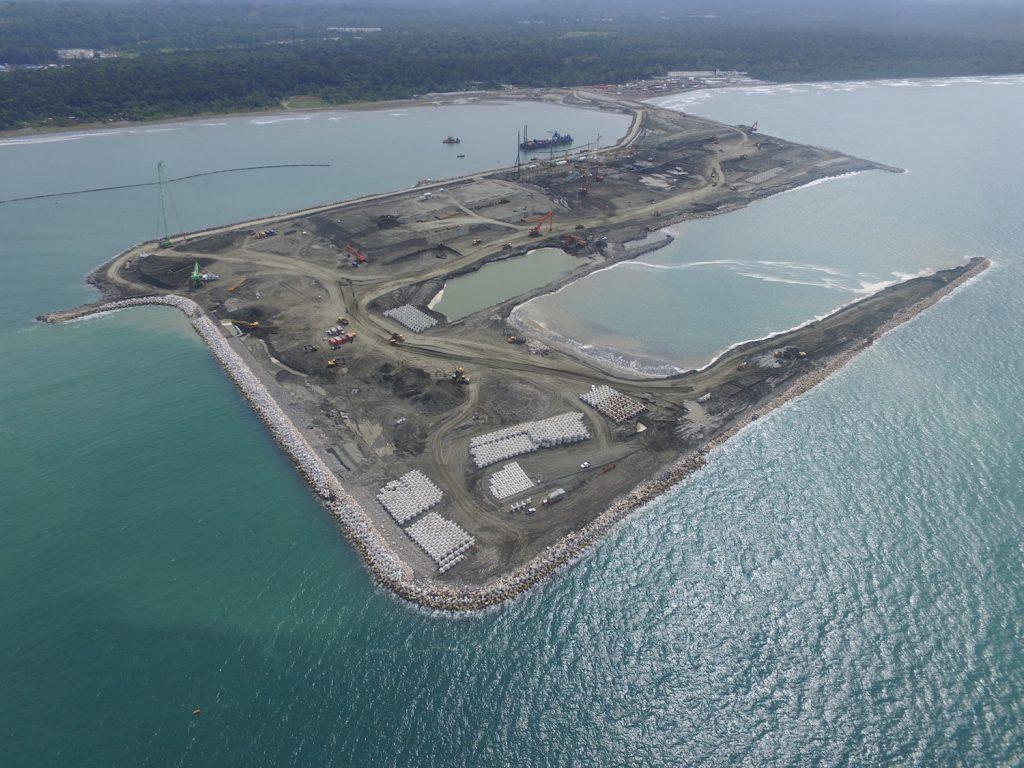 Terminal de contenedores de Moí