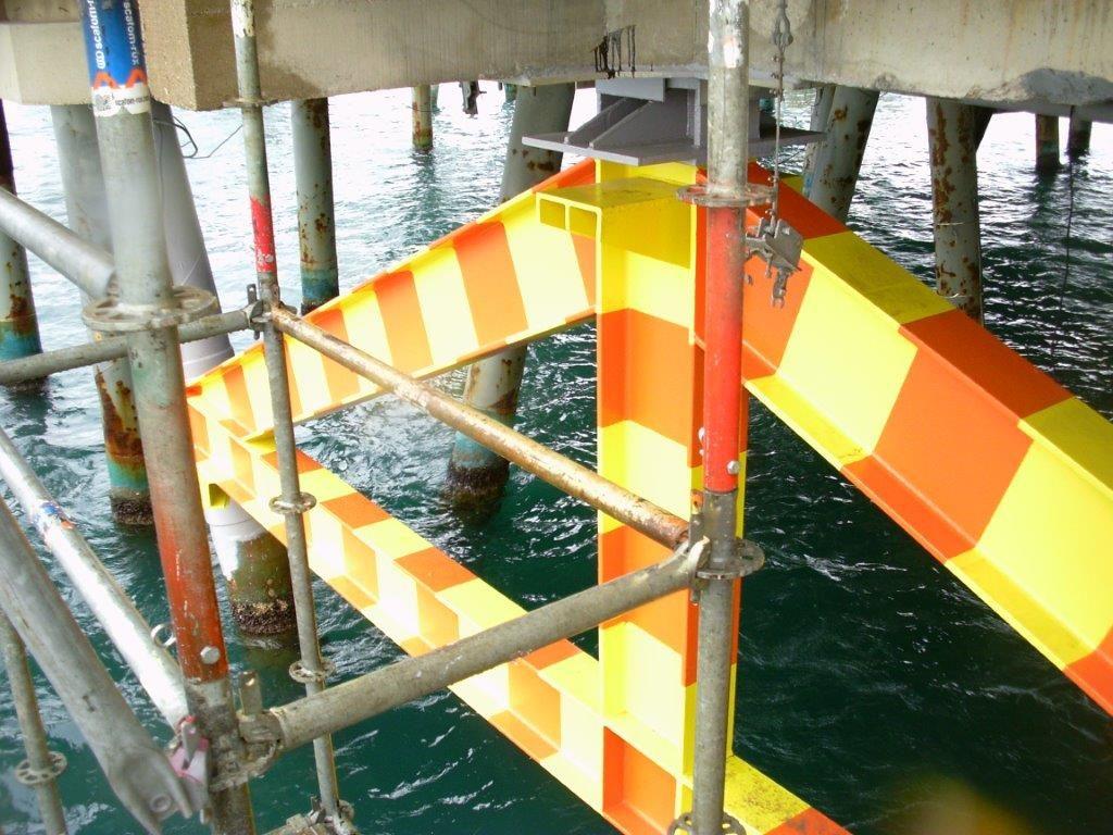 Reparación de un pilote dañado, puerto tarragona